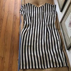 Perfect striped shift dress!